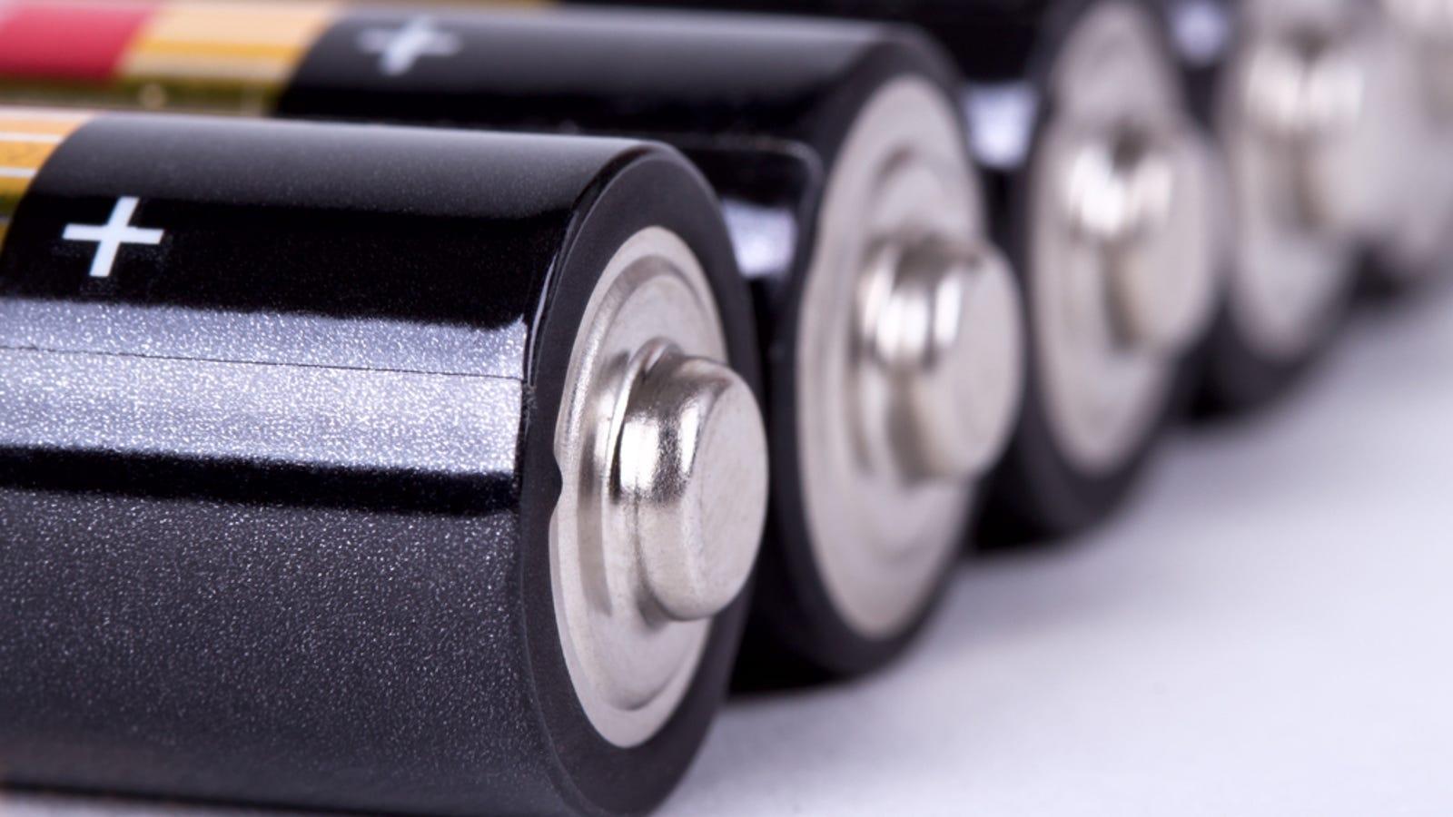 Por qué las pilas alcalinas gastadas rebotan más que las nuevas