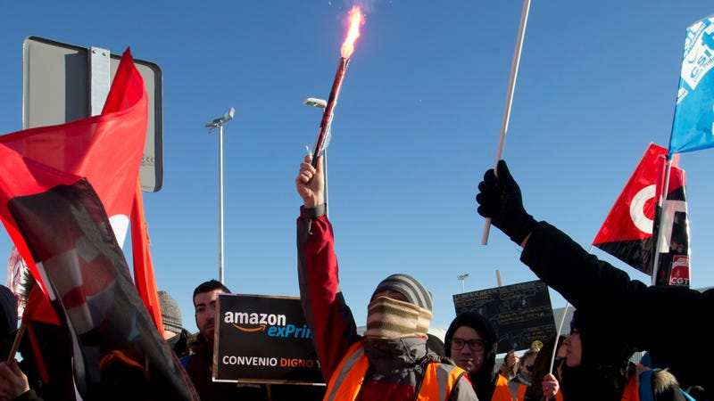 Striking workers at a previous protest at Amazon's flagship Madrid warehouse in March 2018.
