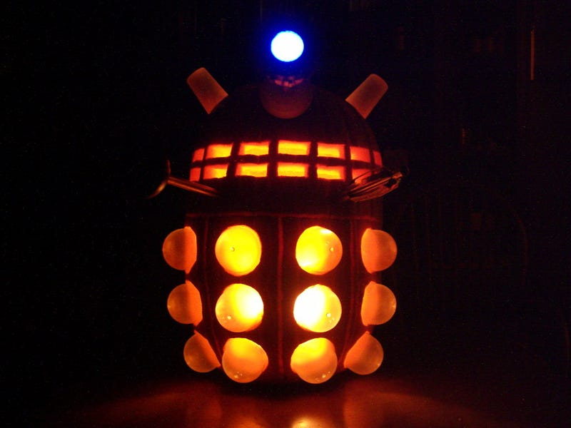 Illustration for article titled Dalek pumpkin wants to exterminate your candy