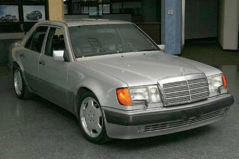 Illustration for article titled For $17,000, This 1993 Mercedes Benz 500E Puts The Hammer Down