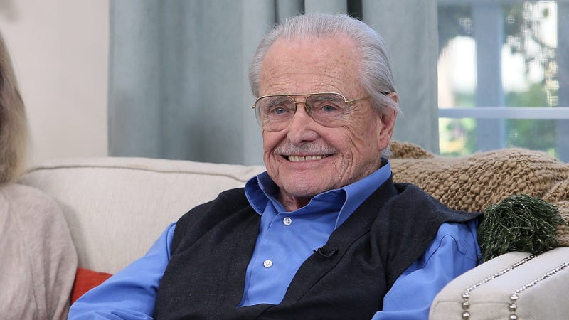 Illustration for article titled Boy Meets World's Mr. Feeny, 91, successfully defended his home from a burglar