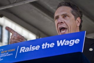 Illustration for article titled NY Governor Andrew Cuomo Plans to Raise Fast Food Wages On His Own