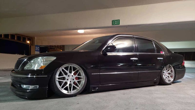Illustration for article titled At a $13,999 Asking, What's Your Stance on This Air-Sprung 2005 Lexus LS430?