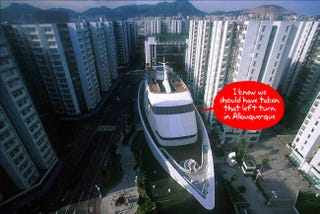 Illustration for article titled Cruise Ship In the Middle of Hong Kong Is Actually a Crazy Shopping Center