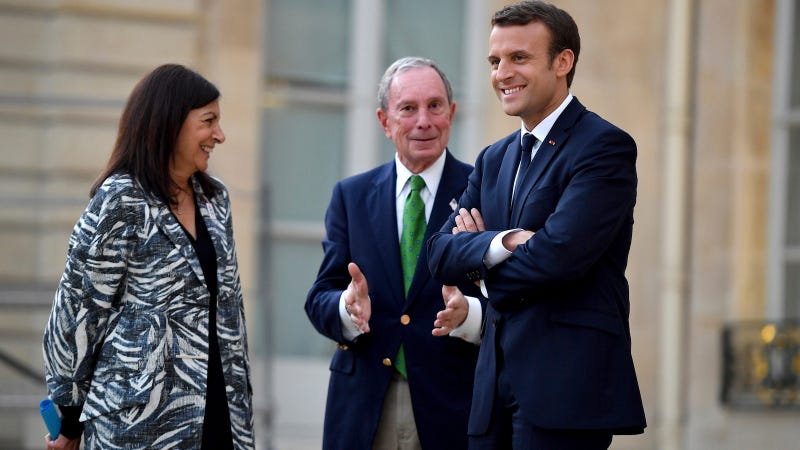 Paris Mayor Anne Hidalgo, Michael Bloomberg, and President Emmanuel Macrón meet in Paris on Friday, June 2.