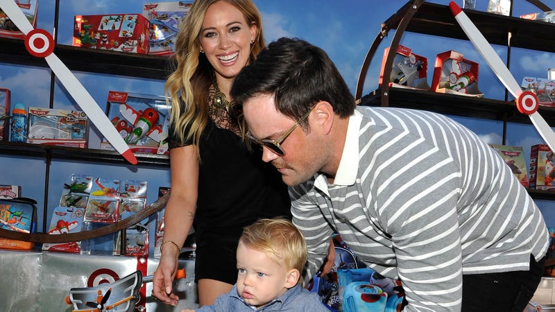 Illustration for article titled Hilary Duff and Husband Mike Comrie Split Up, Remain 'Best Friends'