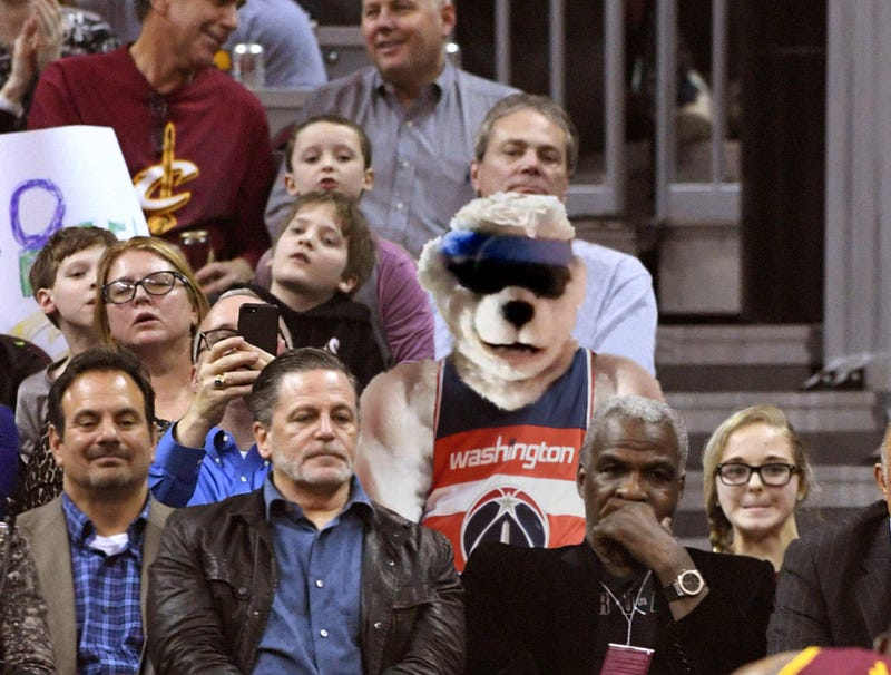 Illustration for article titled Former Cavaliers Mascot Whammer Spotted At Cleveland Game In Wizards Jersey