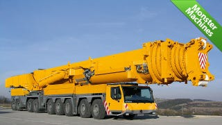 Illustration for article titled World's Tallest Mobile Crane Is Also World's Strongest