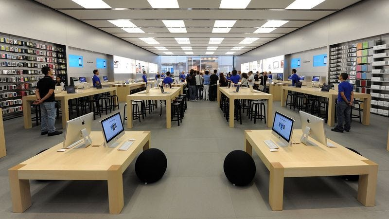 Illustration for article titled Apple Fans Rejoice! The Company Is Hiring A New Retail Associate