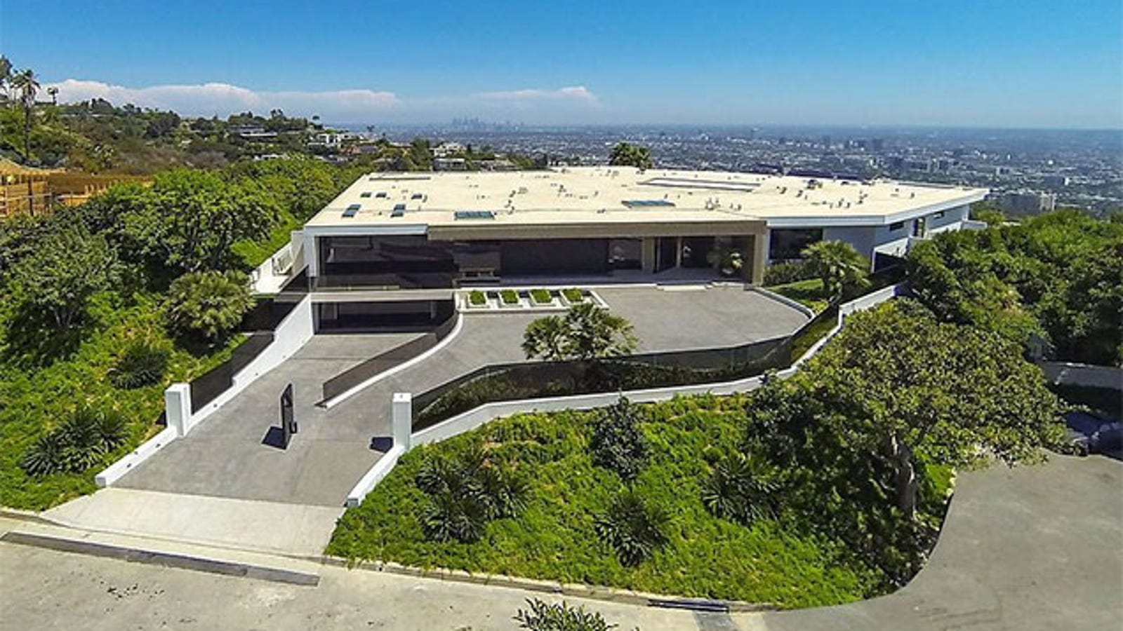 Minecraft's Creator Buys The Most Expensive House In Beverly