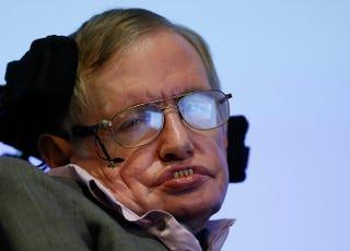 Illustration for article titled Stephen Hawking a mesterséges intelligenciától félti az emberiséget
