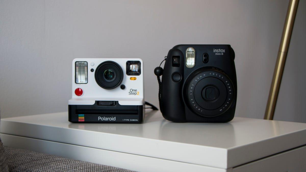 Polaroid's New Instant Camera Takes Terrible Retro Photos