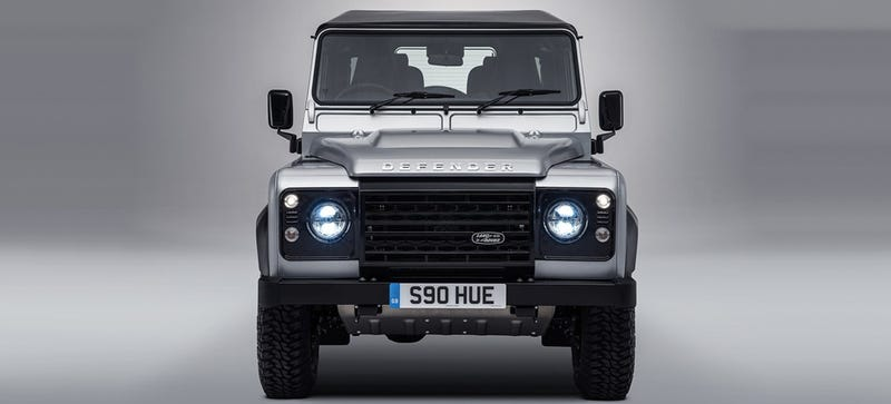 Illustration for article titled Is There Actually Room For A New Land Rover Defender In America?
