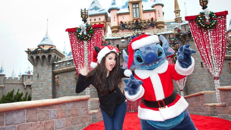 Illustration for article titled Disneyland Hotel Sued for Bed Bug Infestation