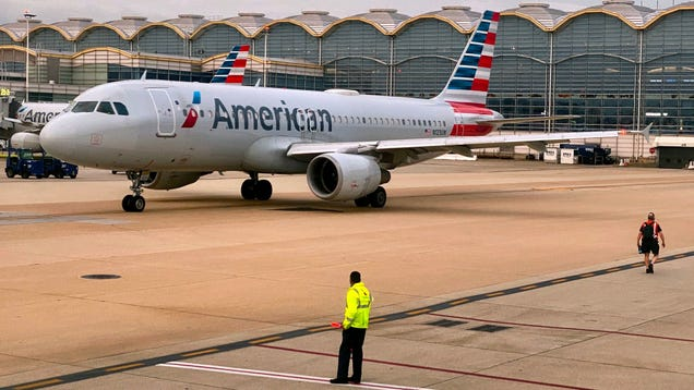 New American Airlines Wheelchair Policy Strands Passengers Relying on Mobility Devices
