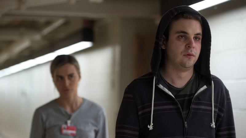Taylor Schilling and Alan Aisenberg in Orange Is The New Black (Photo: Netflix)