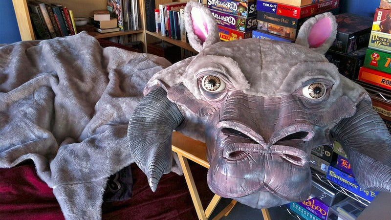 Illustration for article titled No Star Wars Fan Could Resist Photos of You on This Tauntaun Skin Rug