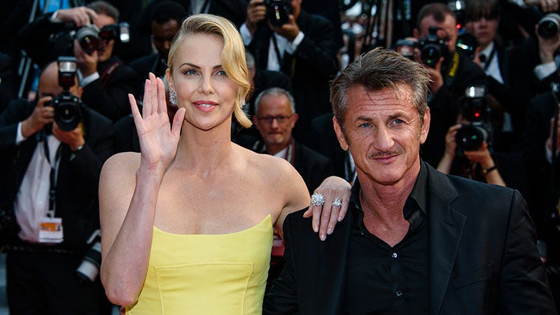 Illustration for article titled Charlize Theron Did NOT Ghost Sean Penn, Claims She Doesn't 'EvenKnow What That Is'