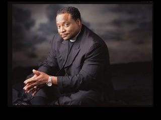 Illustration for article titled Bishop Eddie Long Sued by Two Men for Sexual Coercion