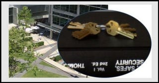 Illustration for article titled Software Can Duplicate Your Keys Using a Photo Taken From 200 Feet Away