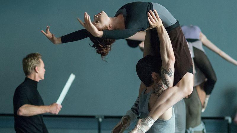 Illustration for article titled Teleporting ballet dancers mark a Thanksgiving Flesh And Bone