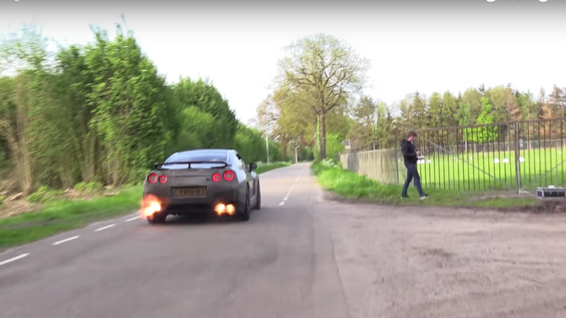 Illustration for article titled Holy Hell This Nissan GT-R Backfiring Sounds Like A Machine Gun