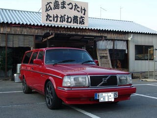 Illustration for article titled Supra-Powered Japanese Volvo 240 Wagon: 300 HP Meatball Ramen