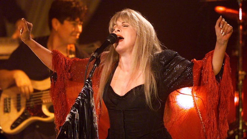 Illustration for article titled Stevie Nicks Is a Mega Nerd Who Writes Game of Thrones Poetry