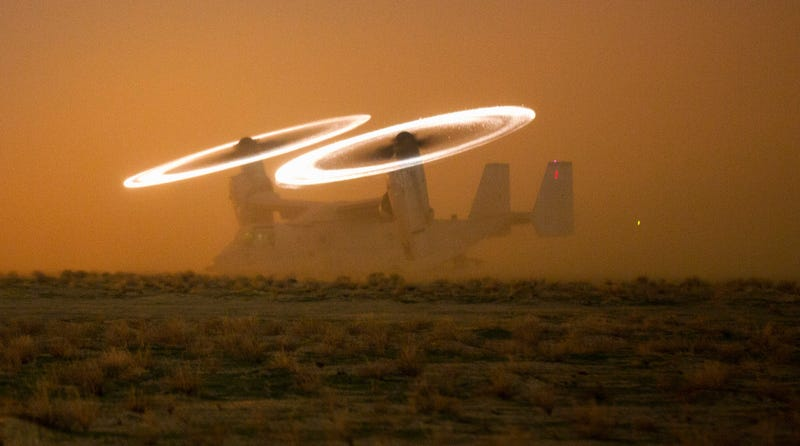 A U.S. Marine Corps MV-22 Osprey stages on a hasty landing zone during a drill at an undisclosed location in Southwest Asia, Nov. 16, 2015. Credit: DoD