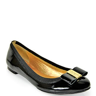 Illustration for article titled Recommendations for good black flats?