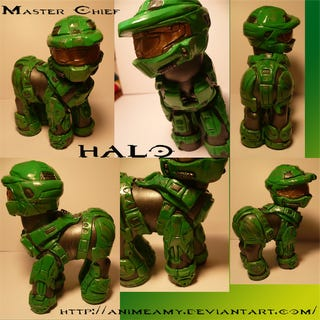 Illustration for article titled My Little Pony-Master Chief Hybrid Confuses My Sexuality