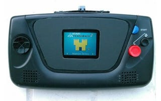 Illustration for article titled Atari 2600 Crammed Into Sega Game Gear Is Wonderfully Backwards Mod
