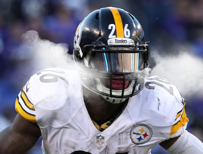 Illustration for article titled Marijuana Smoke Billowing From Sides Of Le'Veon Bell's Visor