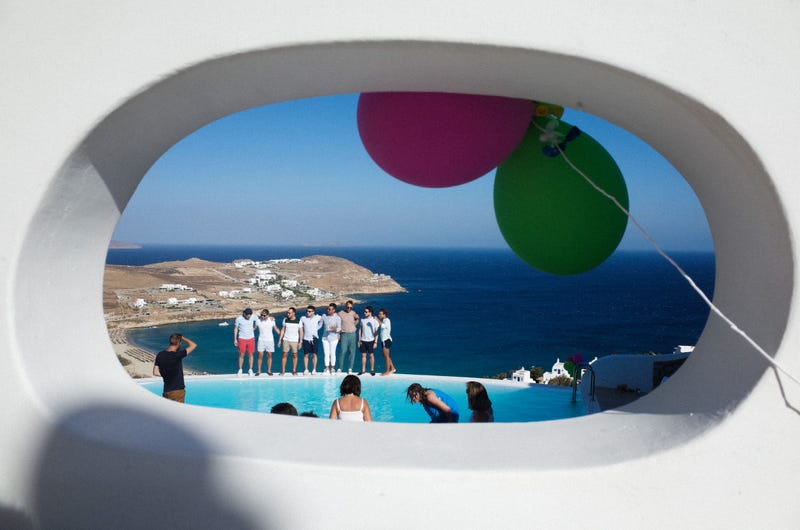 Illustration for article titled GREECE : A WEDDING WELCOME