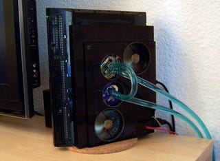 Illustration for article titled Liquid-Cooled PS3 For Running Silent But Deadly
