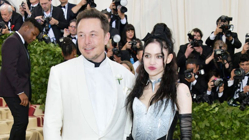 Illustration for article titled Please enjoy the heartwarming story of how Grimes and Elon Musk began dating