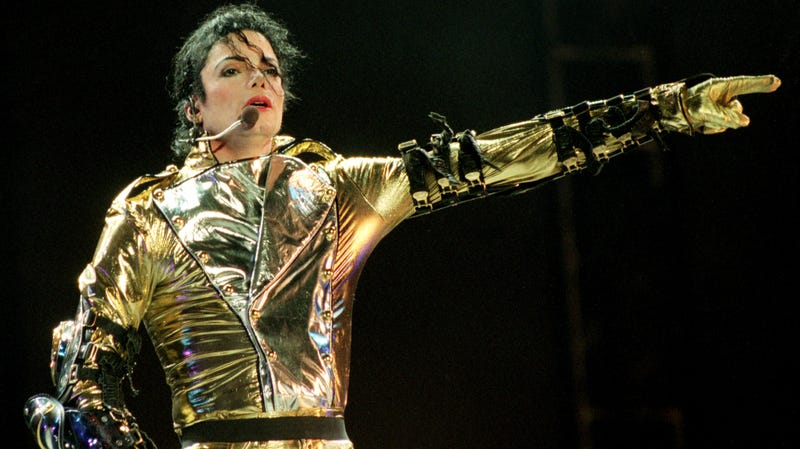 Illustration for article titled Michael Jackson's estate responds to Leaving Neverland by sharing Jackson concerts to YouTube