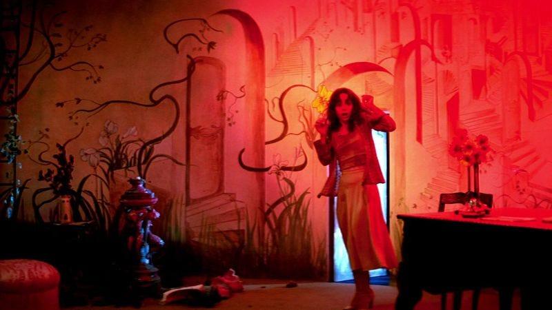 Illustration for article titled Suspiria remake 2.0: Now with Tilda Swinton, Dakota Johnson, actual Italians