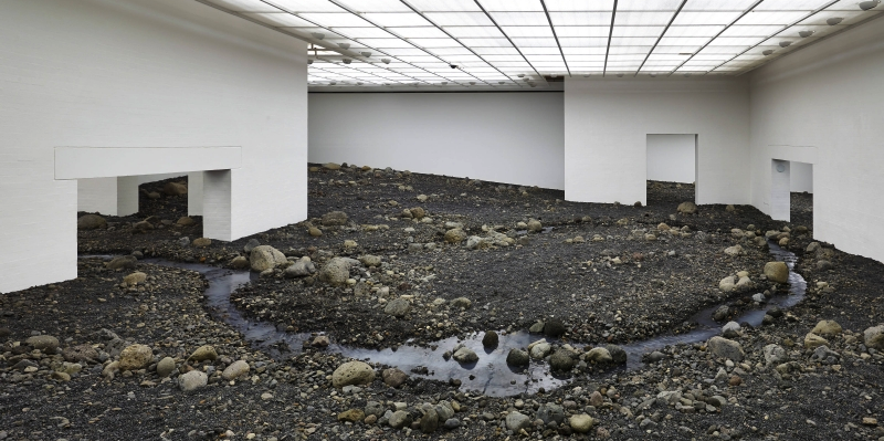 Illustration for article titled See an Entire Muddy River Bed Transplanted Inside an Art Museum
