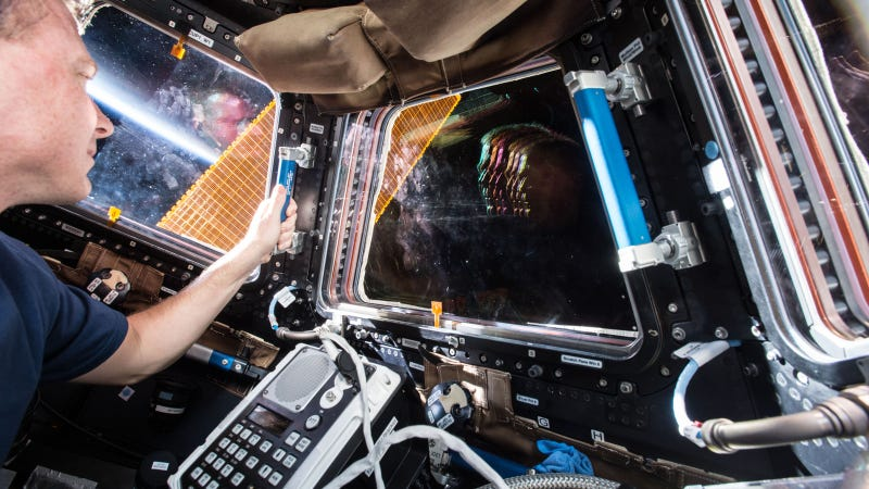 Illustration for article titled There's a Slice of 70s Pop Music in This Photo From the ISS