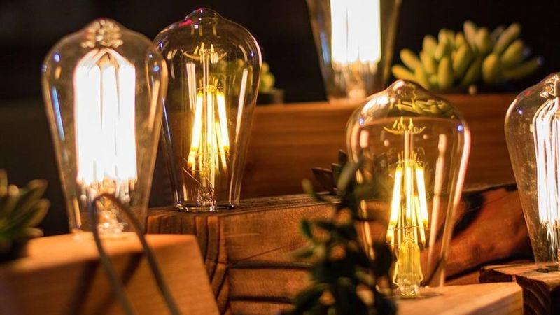 Un ejemplo de las muchas bombillas estilo Edison que hay en el mercado.