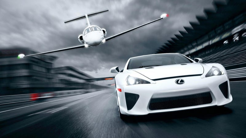 Illustration for article titled A Lexus LFA Supercar Beat A Business Jet In A Race