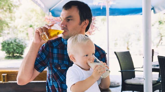 Bars Are For Adults, Not Children (and How to Tell If Your Kids Are Welcome)