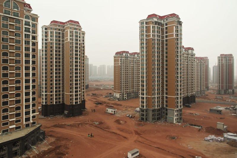 Illustration for article titled Las surrealistas (y preocupantes) ciudades fantasma de China