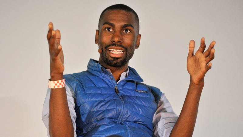 Illustration for article titled How Often Should DeRay Be Washing His Vest?
