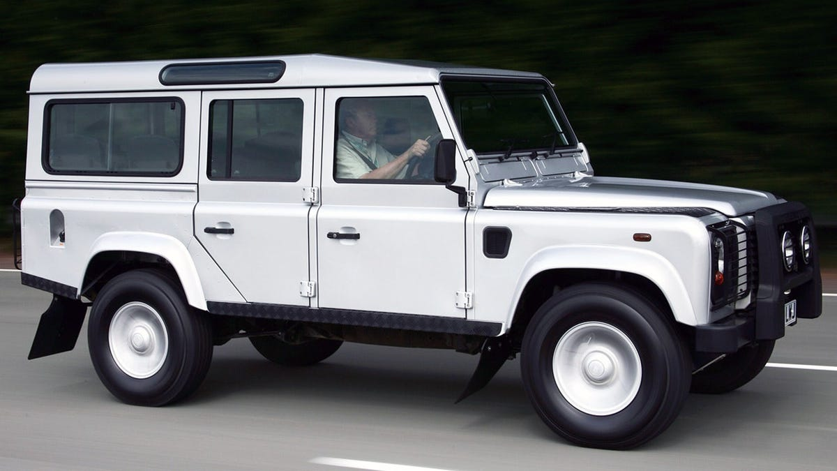 Here's the 2020 Land Rover Defender as Seen By Its Own
