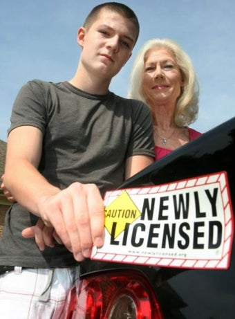 """Illustration for article titled Helicopter Mom Wants """"Newly Licensed"""" Magnet Stuck To Teens Cars"""