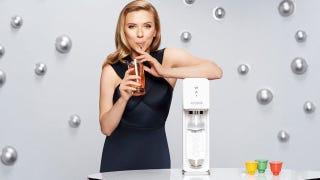 Illustration for article titled Scarlett Johansson Chooses SodaStream Over Humanitarian Group