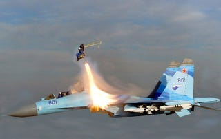 Illustration for article titled Crazy Russian Sukhoi Su-35 Pilot Ejects For a Hollywood Movie at Mach 2 (UPDATED)
