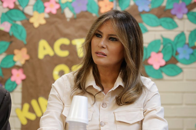 Illustration for article titled Melania Trump Made at Least $100,000 from News Organizations That Paid to Use Photos Designated for Only Positive Stories: Report